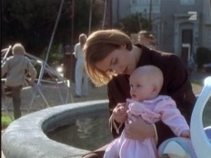 ER 02x05 : And Baby Makes Two- Seriesaddict
